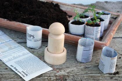 Aussaattöpfchen mit gedrechselter Pflanztopf-Presse herstellen